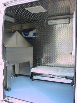 equipamiento furgoneta canina 001 - Peluquería Canina