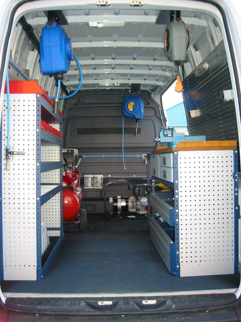equipamiento furgoneta taller 001 768x1024 - Furgoneta Taller